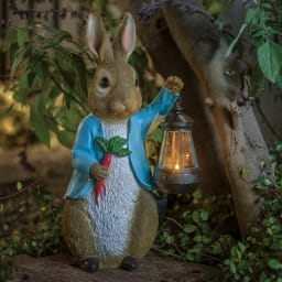 ピーターラビットシリーズ ピーターラビットソーラーライト付き お庭を素敵に演出するやさしい光に癒されて