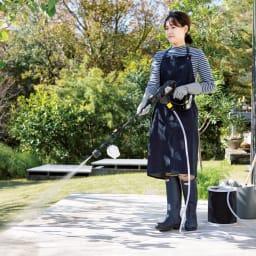 ノズル充実!どこでも水圧洗浄散水機 直流で床のそうじにも。