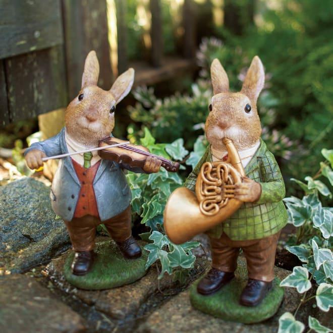 森の音楽隊 左から(ア)バイオリン (イ)ホルン