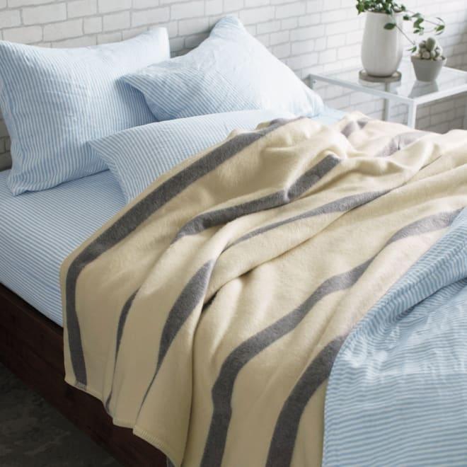 【三井毛織】ウールカシミヤブランケット 毛布(フリンジ無し) オフホワイト×グレー ※お届けは毛布です。