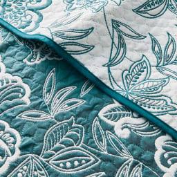 スペイン製リバーシブル マルチカバー クッションカバー (ア)ブルー 表情がガラッと変わるリバーシブルデザイン。