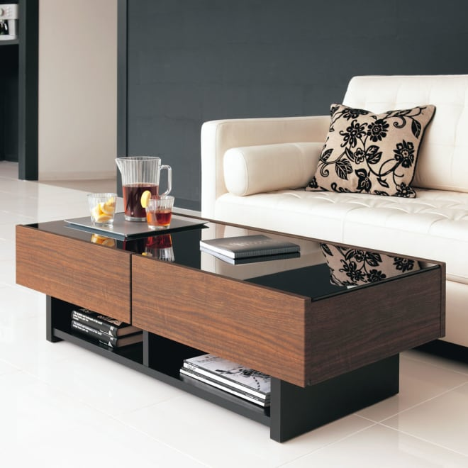 Piezza ガラストップ収納付きリビングテーブル クールなデザインながら機能も整ったガラステーブルです。