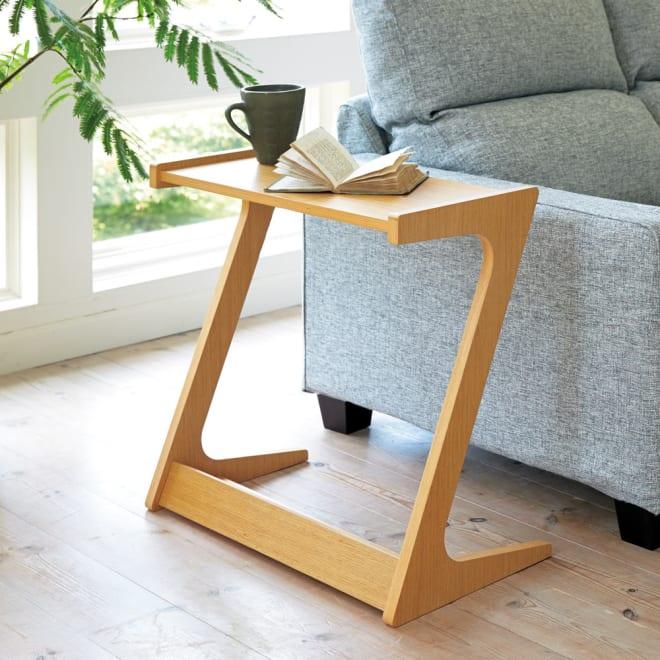 Zeta ソファサイドテーブル ナチュラル 木目の美しいオーク天然木化粧版を使用しています。