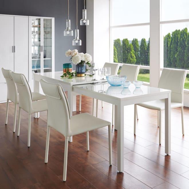 Boom ブーム 日本製UV塗装スライディングテーブル 長方形ダイニングテーブル コーディネート例 (ア)ホワイト 伸長時 普段は美しく省スペース来客時はスマートに伸長