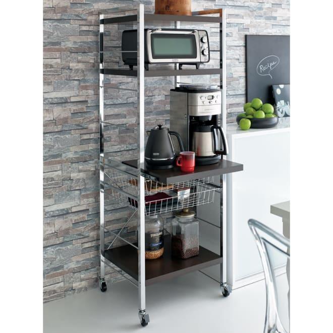 Kroov(クルーブ) キッチンワゴン ハイタイプ ダークブラウン 生活感の出ないキッチンワゴンを目指し無駄のないデザインに仕上げました。キッチンアイテムを収納するのにぴったりのサイズです。