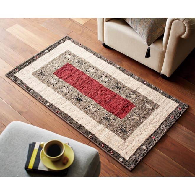 ベルギー製Vokko/ヴォッコ ウィルトン織マット ルビーレッド ※画像は約80×150cmです。