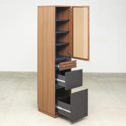 AlusStyle/アルススタイル 隙間収納 ハイタイプ(高さ164.5cm)幅35cm 収納物に合わせて、扉内の棚と引きd氏収納を使い分け。整理整頓しやすく設計しました。