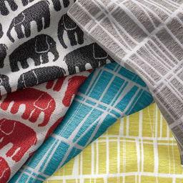 フィンレイソン玄関収納ベンチ 幅90cm 北欧の明るく爽やかなパターンを、高級感のあるジャカード織で立体的に仕上げました。ちょっと個性的ながら、インテリアに馴染む幾何学柄の「コロナ」と、シンプルなシルエットがかわいらしい「エレファンティ」の2柄。※商品により、色柄の展開は異なります。