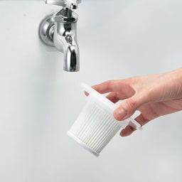 ±0/プラスマイナスゼロ コードレスクリーナー布団ノズル付き特別セット フィルターやダストカップは水洗いできます。