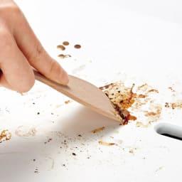 PRINCESS/プリンセス テーブルグリルピュアミニ 付属の木製スパチュラで汚れもするり。