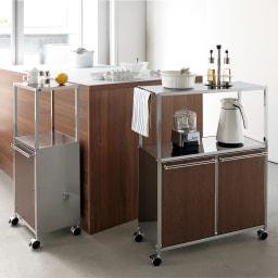 ステンレス天板ダストボックス付きキッチン作業台 木調扉 2分別 使用イメージ ※お届けは右の2分別タイプです。