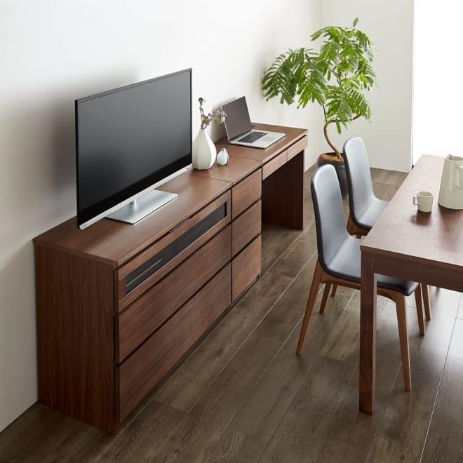 Volga/ヴォルガ ウォルナットシリーズ テレビ台 幅100cm [コーディネート例] 左からテレビ台幅100、チェスト3段、デスクの組み合わせ例。※お届けはテレビ台幅100となります。