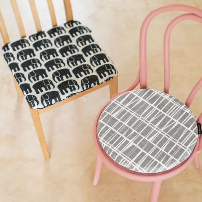 フィンレイソン ジャガード織チェアクッション 丸型・径36cm 北欧デザインのおしゃれなチェアパッドです。左から(ア)エレファンティ・ブラック (ウ)コロナ・グレー