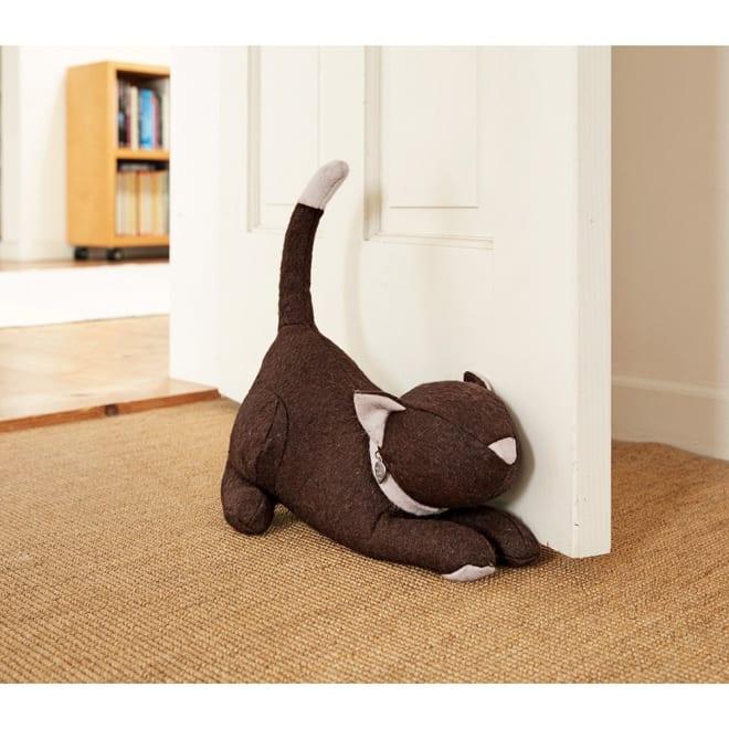 モニカリチャード ドアストッパー キャット/猫 インテリアとしても絵になる、まるでぬいぐるみのようなドアストッパーです。