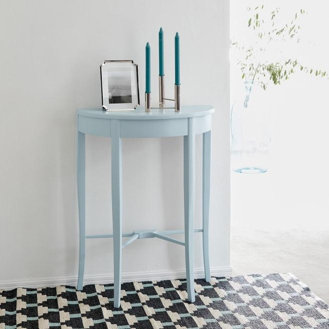 Grand Blue/グランブルー コンパクトシリーズ コンソールテーブル幅60cm 個性も叶える上品カラー。収まりのよいコンパクトサイズで揃えました。クラシック過ぎないスクエアシルエットが上品なホールウェイを演出します。