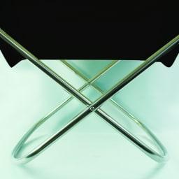 50周年限定 Nychair X ニーチェア エックス オットマン [Takeshi Nii/デザイン:新居猛] キナリ・クロともにステンレスの脚部は同色・同素材です。