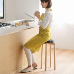 フィンレイソン マッシュルームスツール 高さ43cm (オ)エレファンティ・ネイビー キッチンカウンターにもちょうどいい高さの60cmタイプ。