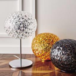 Planet/プラネット ランプ 左:テーブルライト(ア)クリスタル 中央:フロアライト(イ)イエロー 右:フロアライト(ウ)グレー