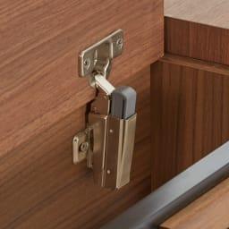 AlusStyle/アルススタイル ベッドシリーズ ユーロトップポケットコイルマットレス付き ヘッドボードの収納部はゆっくりと閉まるソフトダンパー仕様で指挟みを防止します。