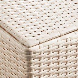 ラタン調 フタ付キャスターバスケット 大 (ア)ホワイト 白色は清潔感があり、明るい印象なのでランドリーにぴったり。