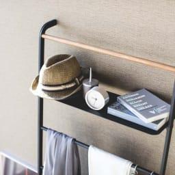 Tower/タワー ランドリーシリーズ ラダーハンガー 奥行24cmだから帽子など大きめの小物も収納可能です