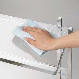 アクリル棚 ハンガーラック 幅71cm アクリル製棚板は、お手入れ簡単で清潔を保てます。