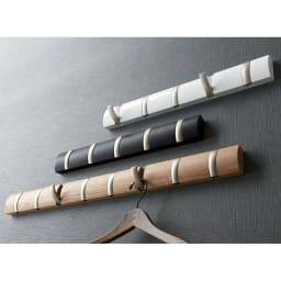 umbra/アンブラ Fook 壁掛けハンガー シルバーフリップフック ライトブラウン(8連タイプ) ※ダークブラウン×ブラックフック(5連タイプ)は別売です。
