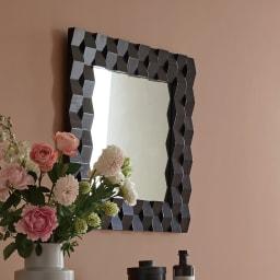 PHILOS/フィロス プリズミー壁掛けミラー・ウォールミラー 幅70×高さ50cm モダンな装飾が美しいミラーで、玄関回りを華やかに演出します。