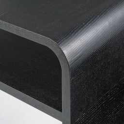 Arcus/アルクス コンソールテーブル 幅60cm (イ)ブラック 天然の木目をいかし、薄くスライスした材を丸くカーブした芯材に貼り付けることで、滑らかなカーブが実現。職人がひとつづつ手作業で行っています。
