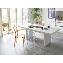 Multi マルチダイニングテーブル パネルレッグタイプ 幅180cm コーディネート例:ホワイト 写真は幅200cmタイプ。