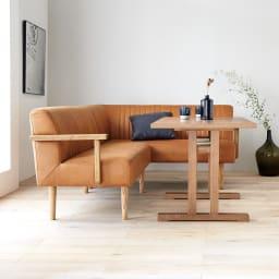 LDテーブル 幅115cm×65cm kokous/ココース LDソファシリーズ 横から テーブルはT字脚でソファからの立ち上がりが楽な形になっています。