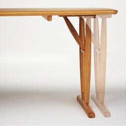 テーブル 幅150cm kolmio/コルミオ ダイニングシリーズ テーブルの脚は内側と外側で付け替えが可能。