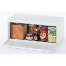 brabantia/ブラバンシア ブレッドビン フォールフロント ホワイト フタ開け時 パンやお菓子、スパイス類をすっきりしまえます。