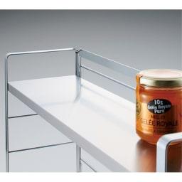 ステンレス棚スパイスラック 3段 1段の耐荷重は約6kg。美しく安定感のある丈夫なつくり。