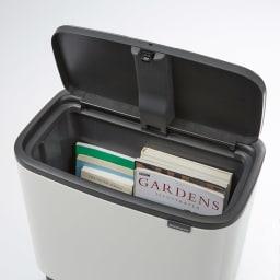 brabantia/ブラバンシア ダストボックス Boタッチビン ラグジュアリー ごみ箱としてのみではなく、ちょっとしたリビング収納としてもお使いいただけます。