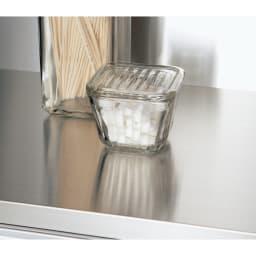 AQUA/アクア ダイニングボード・キッチンボード 幅107cm ステンレス中天板 傷つきにくく熱にも強いので、家電を置いたり調理台としても便利。見た目も○。