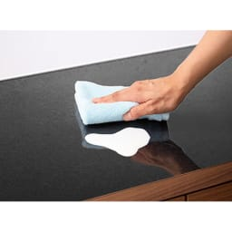 Granite/グラニト アイランド間仕切りキッチンカウンター幅120cm 家電収納付き 〈メラミン天板〉カウンターは黒御影石調のメラミン天板。熱や汚れ、キズに強くお手入れが簡単です。