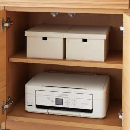 Pisaro/ピサロ オーク格子デスクシリーズ シェルフ 幅60高さ180cm 下の扉裏にもコード穴があるので、プリンターを収納しても配線が簡単にできます。