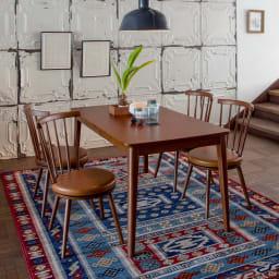 Pamir/パミール エジプト製ウィルトン織ラグ コーディネイト例 ブルー系 ※写真は約200×250cmサイズです。