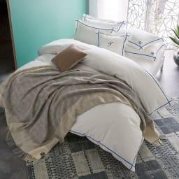 ホテル仕様超長綿サテンカバーリング Ciel シエル 刺繍クッションカバー(1枚) [コーディネート例]ブルー ※お届けは刺繍クッションカバーです。