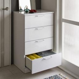 Muro/ムーロ ホワイトモダンチェスト 幅60cm 4段 空間を無駄なく活用して、どんどん増える衣類をすっきり収納。