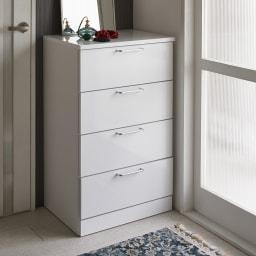 Muro/ムーロ ホワイトモダンチェスト 幅70cm 4段 10cm刻みで選べる豊富なバリエーションで、設置スペースにぴったりフィットできるちょうど良いサイズが見つかります。