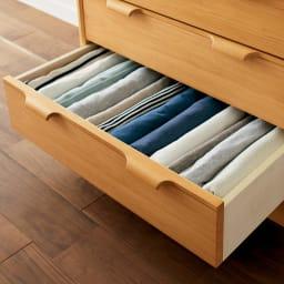 Calm/カーム 寝室コンパクトチェスト 幅70cm・5段(高さ84.5cm) 下着やパジャマ、ベッ ド回りのリネン類を使 いやすく収納。