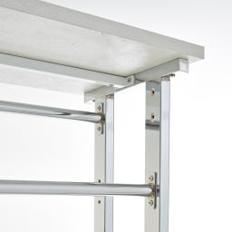 Kudelia/クーデリア 上下棚付き頑丈ハンガーラック ダブル 幅120cm ハンガーバーのジョイント部は強度を持たせる為の、 プレートジョイント構造。棚板の強度をもたせるために、棚板裏に補強バーを入れた頑丈な造り。