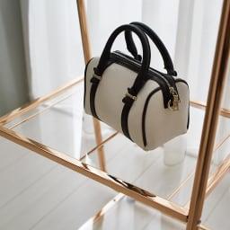 Erythe/エリュテ ピンクゴールドハンガー 幅120cm アクリル棚はバッグなどの収納におすすめ。