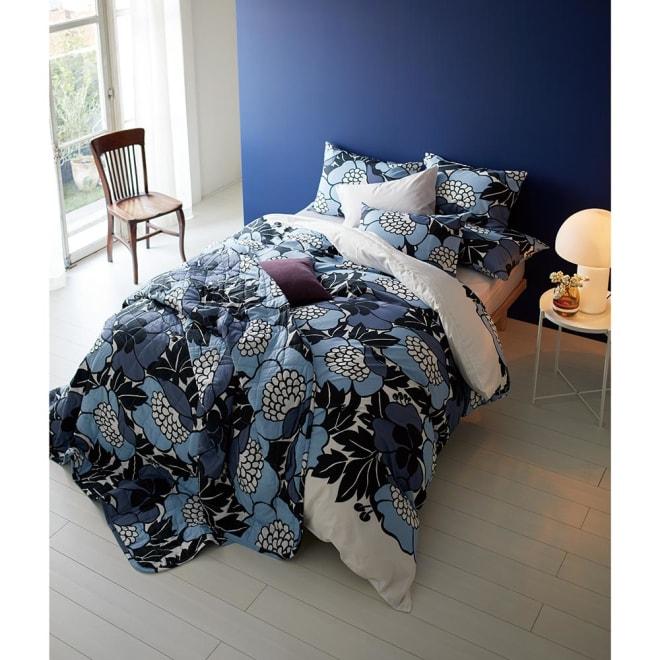 Finlayson/フィンレイソン カバーリング アンヌッカ 掛けカバー 平和を願うフラワー柄が華やかなANNUKKA掛けカバー。 (ア)ブルー系 ※お届けは掛けカバーのみです
