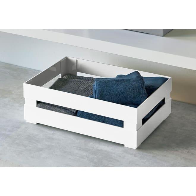guzzini/グッチーニ スタッキング収納ケース ユニバーサルボックス XL フルーツの木箱をイメージした、おしゃれなデザインの収納トレーです。