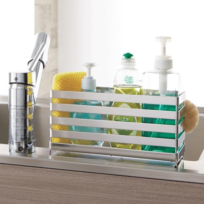 流れるトレー付き 洗剤スポンジラック (ア)ステンレス 通気性のあるボーダータイプのスポンジラックです。