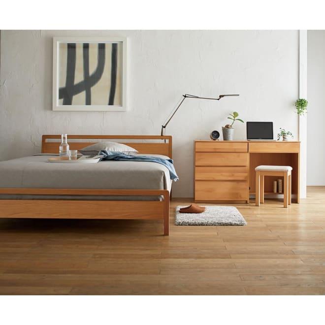 MARK/マーク 木製ベッド ホワイトオーク ポケットコイルマットレス アスターデスク収納シリーズと合わせて。 写真は幅60cmデスクと幅60cmチェストの組み合わせとスツールのセットです。