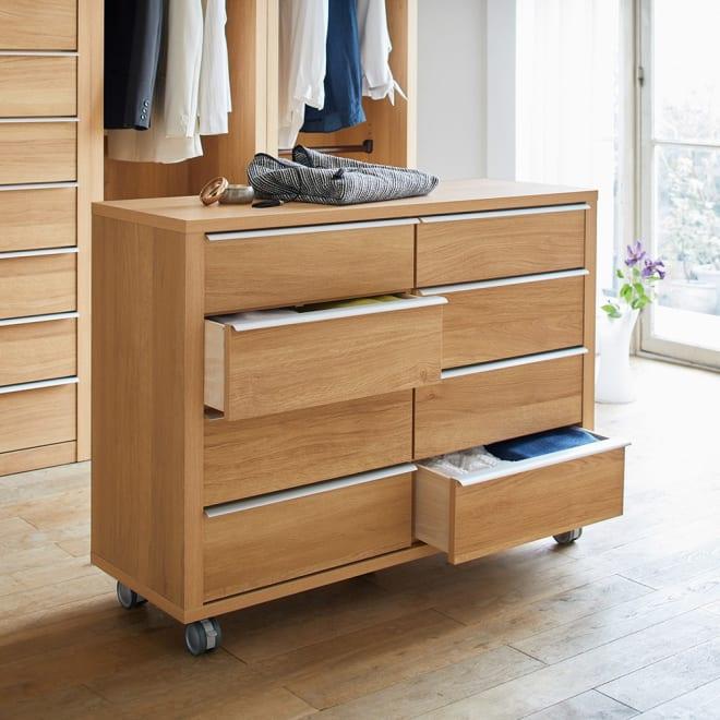 Antisala/アンティサラ・オーク  間仕切り仕様センターチェスト幅112.5cm 移動も簡単なキャスター付き。シリーズと組み合わせての使用は勿論、単品で寝室などに設置するのもお勧め。